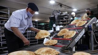 Lebanese charities aid families as food prices surge 400% | Money Talks