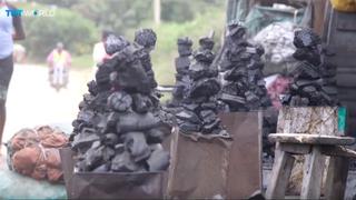 Kenyan refugee project turns human waste into energy | Money Talks