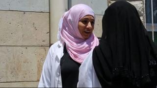 Yemeni Doctors: Doctors stay to help patients in war-torn city