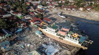Indonesia Disaster: Hundreds killed on Sulawesi in quake, tsunami