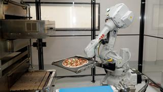 Singapore puts robots to work amid coronavirus outbreak | Money Talks