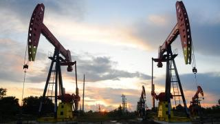 Oil prices plunge to their lowest level in 18 years   Money Talks