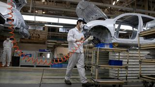 Automakers slow production amid semiconductor shortage | Money Talks