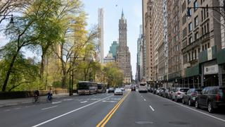 Social distancing drives New Yorkers to private cars | Money Talks