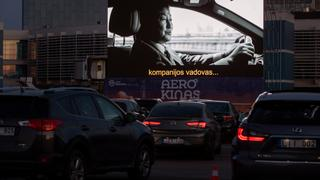 UK audiences flock to drive-ins amid restrictions | Money Talks