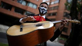 Performers around the world find ways around COVID-19 restrictions | Money Talks