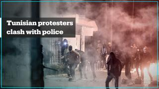 Hundreds arrested in Tunisia as riots enter third night