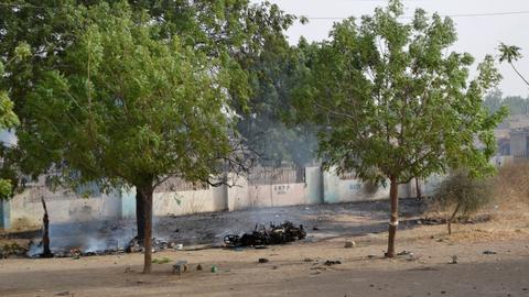 Militants attack UN base in Nigeria, trapping aid workers