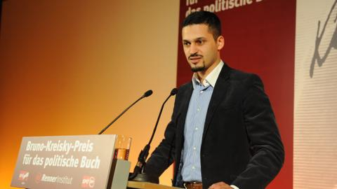 Austrian state intimidates Muslim academic for Islamophobia research