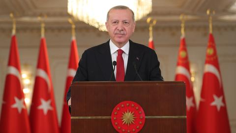 Erdogan: Turkey only aims to protect its right, territory