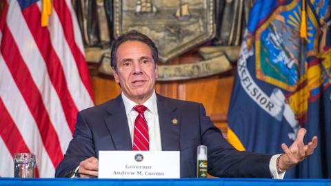 NY Gov. Cuomo remains defiant as top lawmakers pressure him to quit