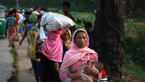 Myanmar asks Rohingya Muslims to hunt insurgents amid violence
