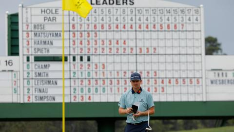 Justin Rose takes lead at the Masters by one-shot