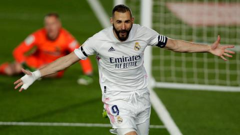 Real Madrid beat Barca in Clasico to take La Liga lead