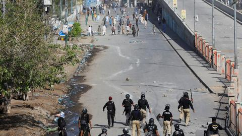 Protests turn violent in Pakistan over religious party leader detention