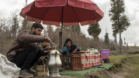 Kashmir's resilient tea sellers