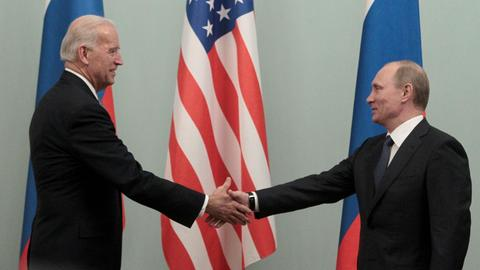 Biden suggests summit with Putin amid tensions over Ukraine