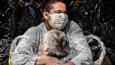 World Press Photo of the Year: A coronavirus hug
