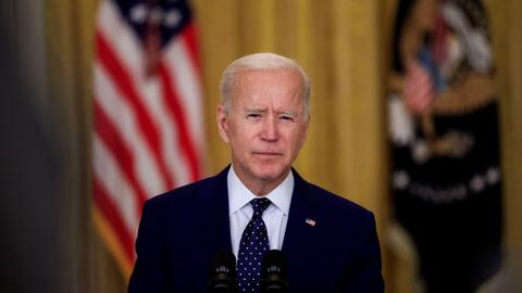 Biden says 'now is the time' for the US and Russia to 'deescalate'