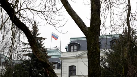 Czech government expels 18 Russian diplomats over 2014 blast