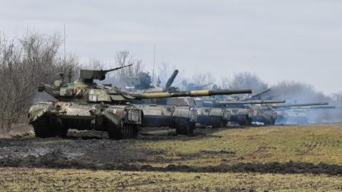 EU: 'More than 100,000' Russian troops amassed near Ukraine