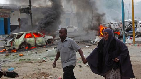 Suicide bomber kills six people in central Somalia