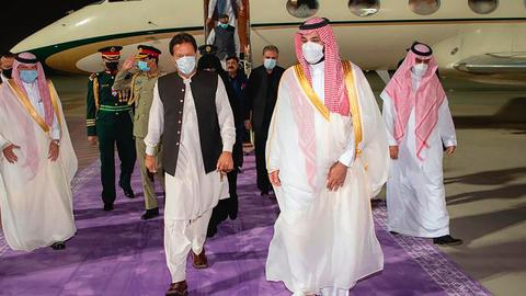 Saudi Arabia and Pakistan ink agreements during PM Khan visit
