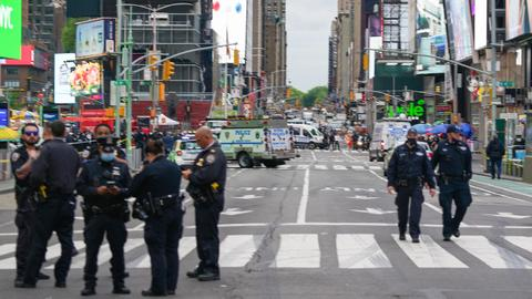 Three injured in Times Square shooting