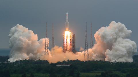 Large Chinese rocket segment lands near Maldives in Indian Ocean