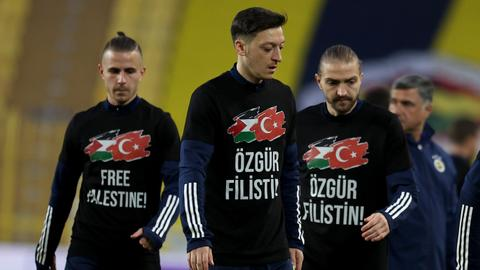 The world's most famous footballers express solidarity with Palestinians