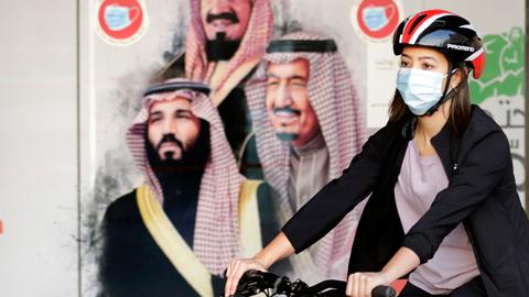 Saudi Arabia allows single women to live separately without male consent