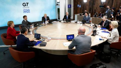 G7 leaders promise to share Covid vaccine doses, energise global economy