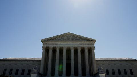 US top court rejects Republican bid to rescind Obamacare