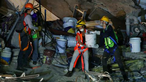 Hope for Mexico quake survivors dims as search enters sixth day