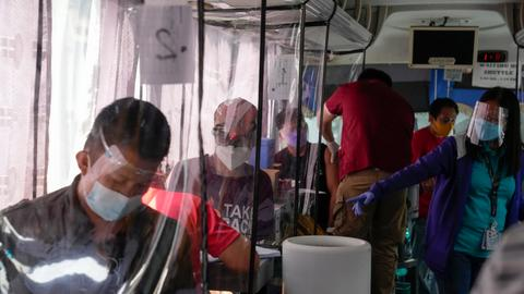 Philippines seals biggest 40M Pfizer vaccine doses order – latest updates