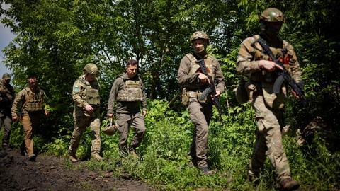 Ukraine separatists report fighters killed in war-torn east