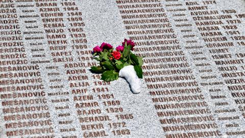 Serbs in Bosnia boycott institutions over genocide denial ban