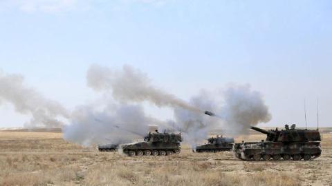 Turkey shells DAESH positions in Syria, kills 34 terrorists