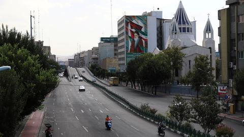 Lockdown ineffective as 5th wave peaks in Iran – latest updates