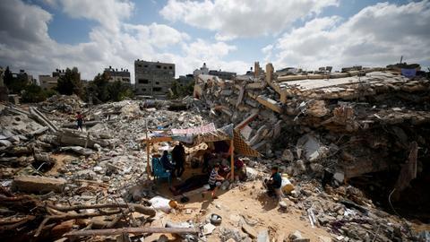 Israel and Qatar reach deal on sending aid to Gaza