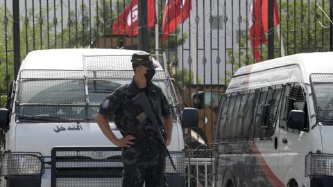 Tunisia places key judge under house arrest, Ennahda calls for dialogue