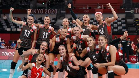 Turkey women's volleyball team beat Russia, through to Olympic quarterfinal
