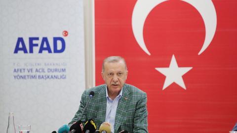 Turkey's Erdogan talks democracy, stability with Tunisia's Saied