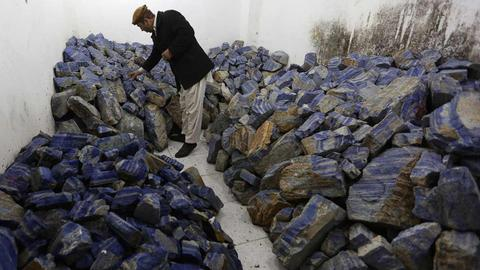 112714_Afghanminerallapislazuli_16299011