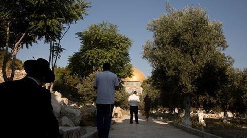 Israel tacitly allows Jewish prayers inside the Al Aqsa compound