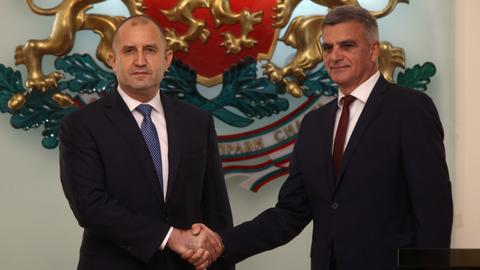 Incumbent PM Yanev to lead Bulgaria to elections