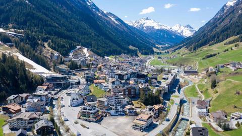 Austria hears first lawsuit over virus outbreak in Ischgl ski resort