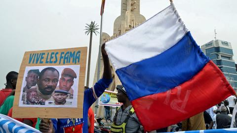 France rattled by a deal between Russian mercenaries and Mali's junta