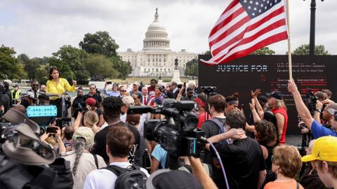 Heavy police deployment as pro-Trump protesters converge for DC rally