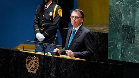 Unvaccinated Bolsonaro spurns criticism on Covid, Brazil's Amazon